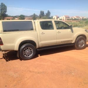 Toyota Hilux_Double Cab_HDCL_RhinoLite_Sand (3)