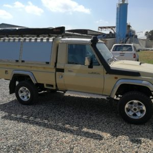 Toyota Land Cruiser_Single Cab_LCSC (33)